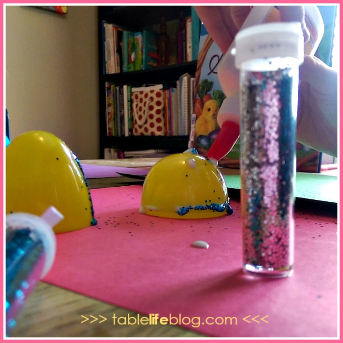 Sparkle Eggs: a New Easter Tradition for Children